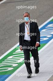 Chase Carey (USA) Formula One Group Chairman on the grid. 01.11.2020. Formula 1 World Championship, Rd 13, Emilia Romagna Grand Prix, Imola, Italy, Race Day.