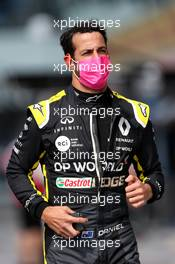 Daniel Ricciardo (AUS) Renault F1 Team on the grid. 06.09.2020. Formula 1 World Championship, Rd 8, Italian Grand Prix, Monza, Italy, Race Day.