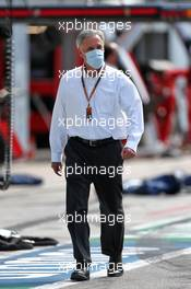 Chase Carey (USA) Formula One Group Chairman on the grid. 06.09.2020. Formula 1 World Championship, Rd 8, Italian Grand Prix, Monza, Italy, Race Day.