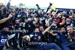 AlphaTauri celebrate victory for Pierre Gasly (FRA) AlphaTauri. 06.09.2020. Formula 1 World Championship, Rd 8, Italian Grand Prix, Monza, Italy, Race Day.