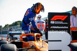 Carlos Sainz Jr (ESP) McLaren MCL35 in qualifying parc ferme. 05.09.2020. Formula 1 World Championship, Rd 8, Italian Grand Prix, Monza, Italy, Qualifying Day.