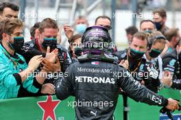 Lewis Hamilton (GBR) Mercedes AMG F1 celebrates his record breaking 92nd Grand Prix victory in parc ferme. 25.10.2020. Formula 1 World Championship, Rd 12, Portuguese Grand Prix, Portimao, Portugal, Race Day.