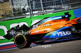 Carlos Sainz Jr (ESP) McLaren MCL35 with a broken rear wing. 25.09.2020. Formula 1 World Championship, Rd 10, Russian Grand Prix, Sochi Autodrom, Sochi, Russia, Practice Day.
