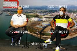 (L to R): Andreas Seidl, McLaren Managing Director and Cyril Abiteboul (FRA) Renault Sport F1 Managing Director in the FIA Press Conference. 25.09.2020. Formula 1 World Championship, Rd 10, Russian Grand Prix, Sochi Autodrom, Sochi, Russia, Practice Day.