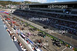 The grid before the start of the race. 27.09.2020. Formula 1 World Championship, Rd 10, Russian Grand Prix, Sochi Autodrom, Sochi, Russia, Race Day.