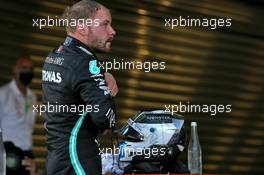 Race winner Valtteri Bottas (FIN) Mercedes AMG F1 in parc ferme. 27.09.2020. Formula 1 World Championship, Rd 10, Russian Grand Prix, Sochi Autodrom, Sochi, Russia, Race Day.