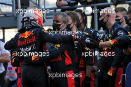 Max Verstappen (NLD) Red Bull Racing celebrates his second position with the team in parc ferme. 27.09.2020. Formula 1 World Championship, Rd 10, Russian Grand Prix, Sochi Autodrom, Sochi, Russia, Race Day.