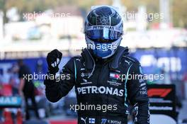 Race winner Valtteri Bottas (FIN) Mercedes AMG F1 celebrates in parc ferme. 27.09.2020. Formula 1 World Championship, Rd 10, Russian Grand Prix, Sochi Autodrom, Sochi, Russia, Race Day.