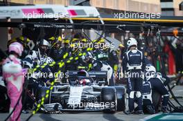 Pierre Gasly (FRA) AlphaTauri AT01 makes a pit stop. 27.09.2020. Formula 1 World Championship, Rd 10, Russian Grand Prix, Sochi Autodrom, Sochi, Russia, Race Day.