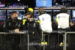 (L to R): Alan Permane (GBR) Renault F1 Team Trackside Operations Director with Fernando Alonso (ESP) Renault F1 Team. 06.12.2020. Formula 1 World Championship, Rd 16, Sakhir Grand Prix, Sakhir, Bahrain, Race Day.