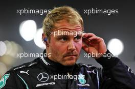 Valtteri Bottas (FIN) Mercedes AMG F1 on the grid. 06.12.2020. Formula 1 World Championship, Rd 16, Sakhir Grand Prix, Sakhir, Bahrain, Race Day.