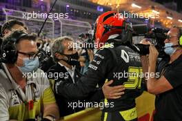 Esteban Ocon (FRA) Renault F1 Team celebrates his second position in parc ferme with Alain Prost (FRA) Renault F1 Team Non-Executive Director. 06.12.2020. Formula 1 World Championship, Rd 16, Sakhir Grand Prix, Sakhir, Bahrain, Race Day.