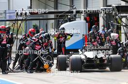 Romain Grosjean (FRA) Haas F1 Team VF-20 makes a pit stop. 12.07.2020. Formula 1 World Championship, Rd 2, Steiermark Grand Prix, Spielberg, Austria, Race Day.