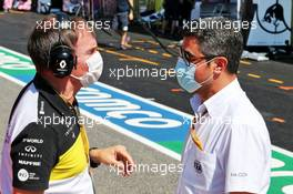 (L to R): Alan Permane (GBR) Renault F1 Team Trackside Operations Director with Michael Masi (AUS) FIA Race Director. 13.09.2020. Formula 1 World Championship, Rd 9, Tuscan Grand Prix, Mugello, Italy, Race Day.
