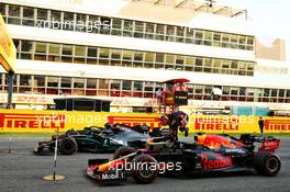 Third placed Alexander Albon (THA) Red Bull Racing RB16 in parc ferme with race winner Lewis Hamilton (GBR) Mercedes AMG F1 W11 and second placed Valtteri Bottas (FIN) Mercedes AMG F1 W11. 13.09.2020. Formula 1 World Championship, Rd 9, Tuscan Grand Prix, Mugello, Italy, Race Day.