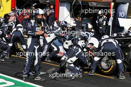 Daniil Kvyat (RUS) AlphaTauri AT01 makes a pit stop. 13.09.2020. Formula 1 World Championship, Rd 9, Tuscan Grand Prix, Mugello, Italy, Race Day.