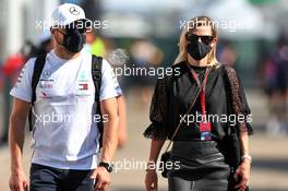 Valtteri Bottas (FIN) Mercedes AMG F1 Will Hings (GBR) Force India F1 Press Officer girlfriend Tiffany Cromwell (AUS) Professional Cyclist. 13.09.2020. Formula 1 World Championship, Rd 9, Tuscan Grand Prix, Mugello, Italy, Race Day.