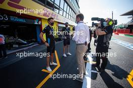 George Russell (GBR) Williams Racing and Nicholas Latifi (CDN) Williams Racing with Paul di Resta (GBR) Sky Sports F1 Presenter. 13.09.2020. Formula 1 World Championship, Rd 9, Tuscan Grand Prix, Mugello, Italy, Race Day.