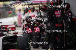 Romain Grosjean (FRA) Haas F1 Team VF-20 makes a pit stop. 15.11.2020. Formula 1 World Championship, Rd 14, Turkish Grand Prix, Istanbul, Turkey, Race Day.