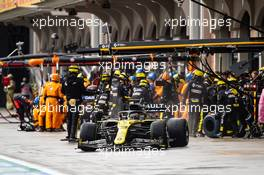 Daniel Ricciardo (AUS) Renault F1 Team RS20 makes a pit stop. 15.11.2020. Formula 1 World Championship, Rd 14, Turkish Grand Prix, Istanbul, Turkey, Race Day.