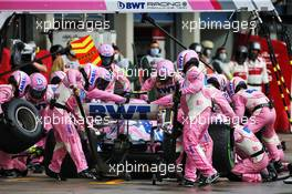 Lance Stroll (CDN) Racing Point F1 Team RP20 makes a pit stop. 15.11.2020. Formula 1 World Championship, Rd 14, Turkish Grand Prix, Istanbul, Turkey, Race Day.