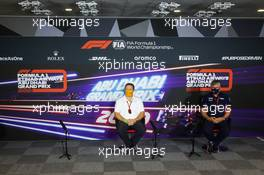 (L to R): Zak Brown (USA) McLaren Executive Director and Otmar Szafnauer (USA) Racing Point F1 Team Principal and CEO in the FIA Press Conference. 11.12.2020. Formula 1 World Championship, Rd 17, Abu Dhabi Grand Prix, Yas Marina Circuit, Abu Dhabi, Practice Day.