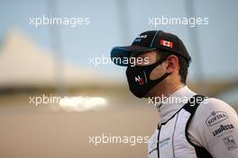 Nicholas Latifi (CDN) Williams Racing on the grid. 13.12.2020. Formula 1 World Championship, Rd 17, Abu Dhabi Grand Prix, Yas Marina Circuit, Abu Dhabi, Race Day.