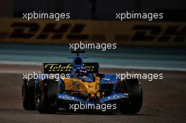 Fernando Alonso (ESP) Renault F1 Team in the 2005 Renault R25. 12.12.2020. Formula 1 World Championship, Rd 17, Abu Dhabi Grand Prix, Yas Marina Circuit, Abu Dhabi, Qualifying Day.