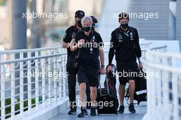 Steve Etherington (GBR) Mercedes AMG F1 Photographer. 10.12.2020. Formula 1 World Championship, Rd 17, Abu Dhabi Grand Prix, Yas Marina Circuit, Abu Dhabi, Preparation Day.