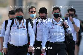 (L to R): Ron Meadows (GBR) Mercedes GP Team Manager; Andrew Shovlin (GBR) Mercedes AMG F1 Engineer; James Vowles (GBR) Mercedes AMG F1 Chief Strategist. 10.12.2020. Formula 1 World Championship, Rd 17, Abu Dhabi Grand Prix, Yas Marina Circuit, Abu Dhabi, Preparation Day.
