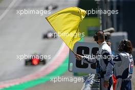 Yellow flags and safety car. 05.07.2020. FIA Formula 2 Championship, Rd 1, Spielberg, Austria, Sunday.