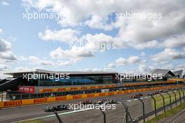 Dan Ticktum (GBR) Dams leads at the start of the race.