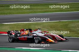 Liam Lawson (NZL) Hitech and Oscar Piastri (AUS) PREMA Racing battle for position. 01.08.2020. FIA Formula 3 Championship, Rd 4, Silverstone, England, Saturday.