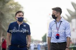(L to R): Jost Capito (GER) Williams Racing Chief Executive Officer with Jenson Button (GBR) Sky Sports F1 Presenter / Williams Racing Senior Advisor. 26.03.2021. Formula 1 World Championship, Rd 1, Bahrain Grand Prix, Sakhir, Bahrain, Practice Day