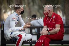 (L to R): Mick Schumacher (GER) Haas F1 Team with Jock Clear (GBR) Ferrari Engineering Director. 27.03.2021. Formula 1 World Championship, Rd 1, Bahrain Grand Prix, Sakhir, Bahrain, Qualifying Day.