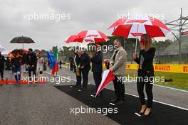 Dignitaries as the grid observes the national anthem. 18.04.2021. Formula 1 World Championship, Rd 2, Emilia Romagna Grand Prix, Imola, Italy, Race Day.
